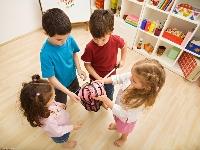 игрушки и дети