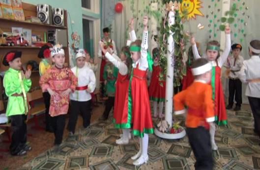 танец «Берёзка и козы»