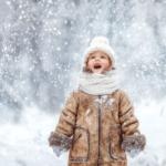 ребенок и снег